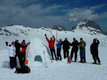 Teambuilding activities - Igloos building